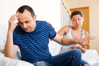 Wie man Eifersuchtproblemen hilft
